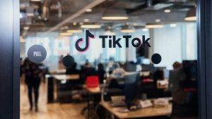 Oracle to buy TikTok in America